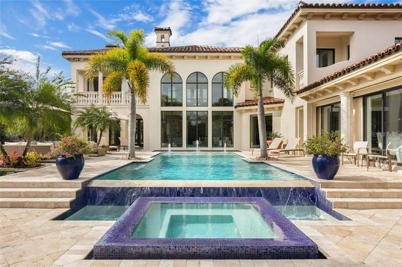 Luxury Vacation Homes Near Disney World For Sale